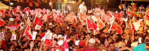 Comício com Fátima Prefeita e o presidente Lula, na Av. Itapetinga, Zona Norte de Natal (Foto: Isaac Ribeiro)