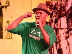 Nesta nova música, o poeta do rap nacional concentra suas críticas em cima do governador do Distrito Federal, José Roberto Arruda (DEM) (Foto: Divulgação)